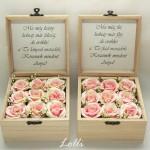 Szülőköszöntő virágdoboz barack rózsákkal, a meska boltomban tudod megrendelni, ha éppen van készleten.