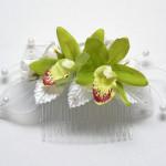 Egyedi menyasszonyi fejdísz zöld orchideákkal