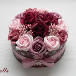 Közepes méretű egyedi rózsás virágdoboz, virágbox, rózsabox